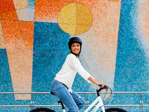 Oblečenie na fitnes a dochádzanie/Fitness cyklistické prilby